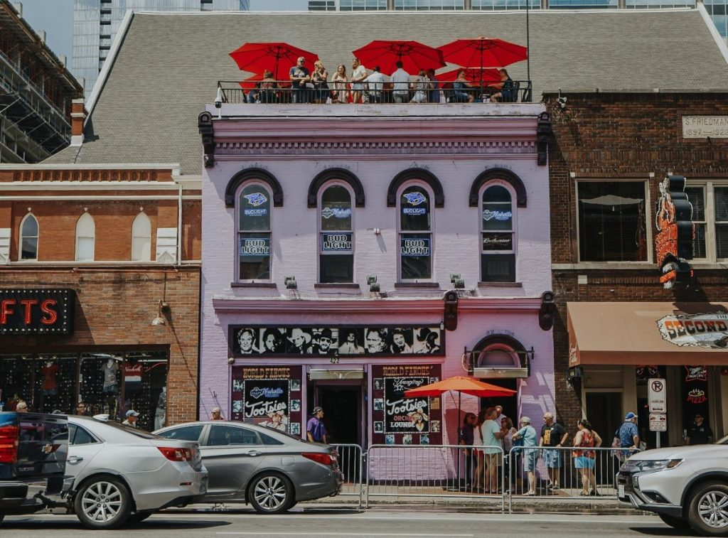 Tootsie's World Famous Orchid Lounge | The Ultimate Guide to Nashville's Lower Broadway | Her Life in Ruins
