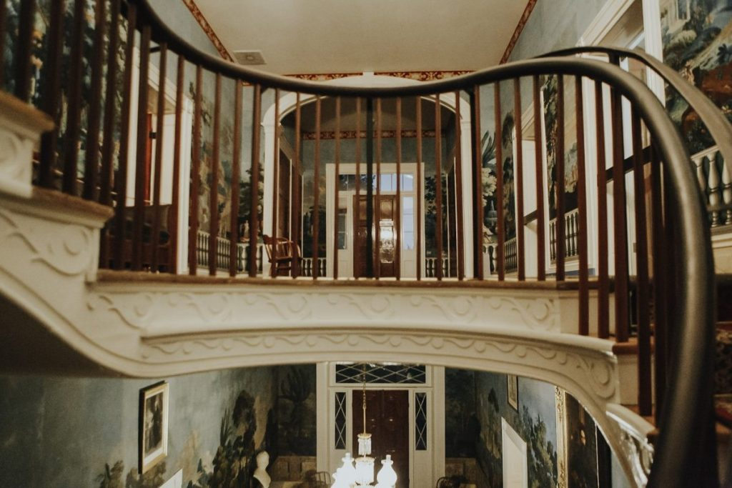 The Upstairs Landing at the Hermitage | Her Life in Ruins