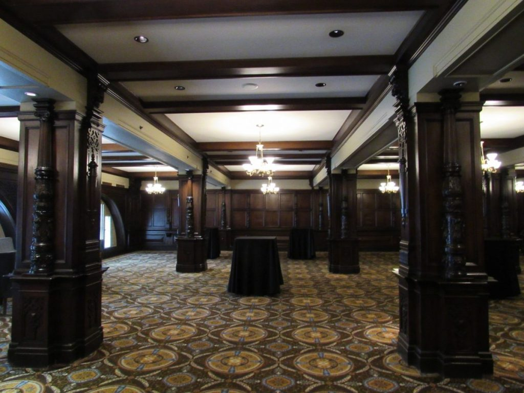 The Oak Room at the Seelbach | Her Life in Ruins