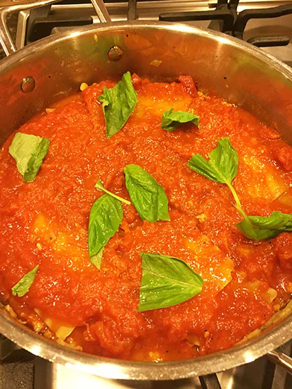 easy-one-pan-skillet-lasagna-recipe