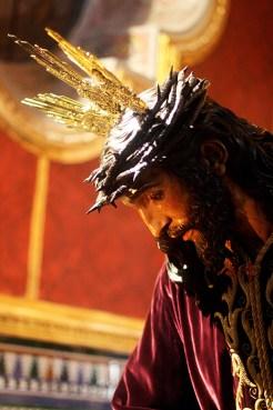 BESAMANOS JESUS 032