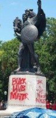 http://i.dailymail.co.uk/i/pix/2015/06/21/21/29D7C09E00000578-3133597-Confederate_monument_vandalized-a-58_1434918039434.jpg