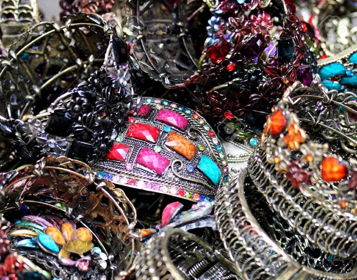 La signification des couleurs et les bijoux