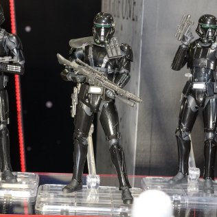 s-h-figuarts-deathtrooper