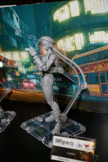 new-york-toy-fair-2017-bluefin-s-h-figuarts-street-fighter-cammy-4