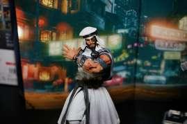new-york-toy-fair-2017-bluefin-s-h-figuarts-street-fighter-rashid-3