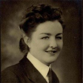 Wendy Hogarth in her Wren uniform