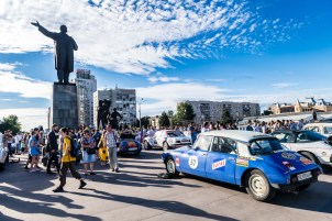 Daniel Spadini(CH) Scipione Dibello(NL) Citroen DS20 takes centre stage in one of the many towns visited in Russia this past week