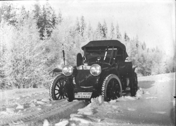 Andre_Nagel_sur_Russo-Baltique_24-30_HP_1912_Rallye_Monte_Carlo_(2)