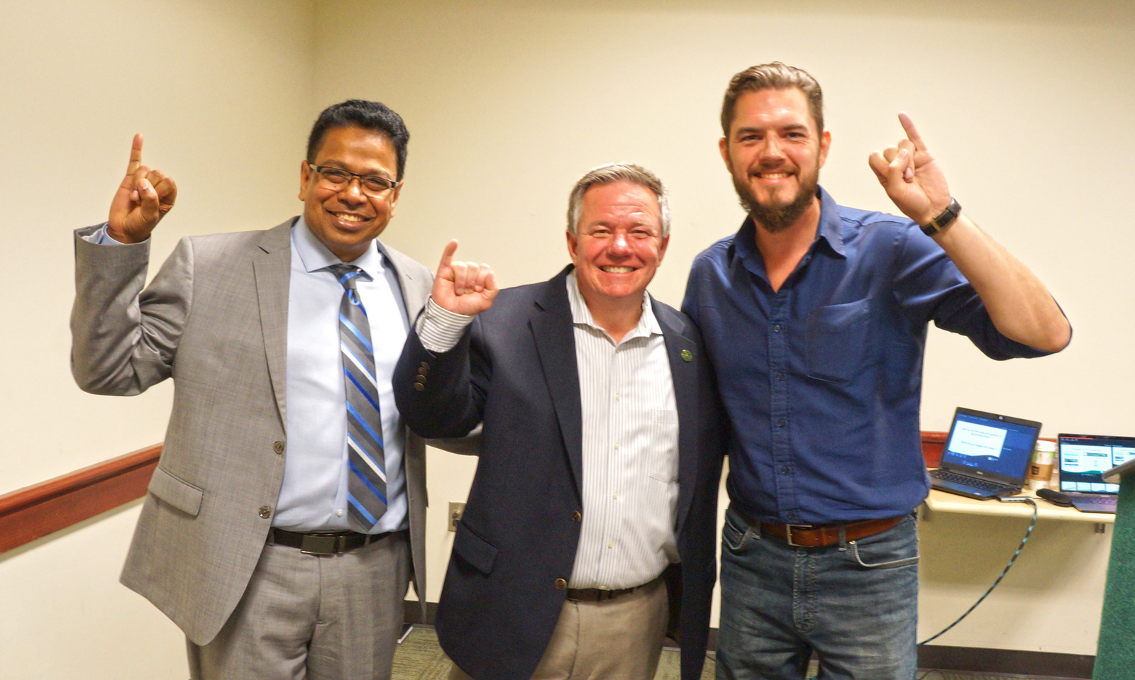 Breakfast with Champions: Legendary Dale Carlsen Meets with Sacramento Student Leaders