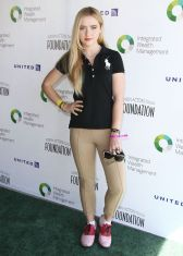 kathryn-newton-at-6th-annual-los-angeles-golf-classic-in-burbank_9