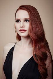 madelaine-petsch-2016-ema-awards-portraits-3