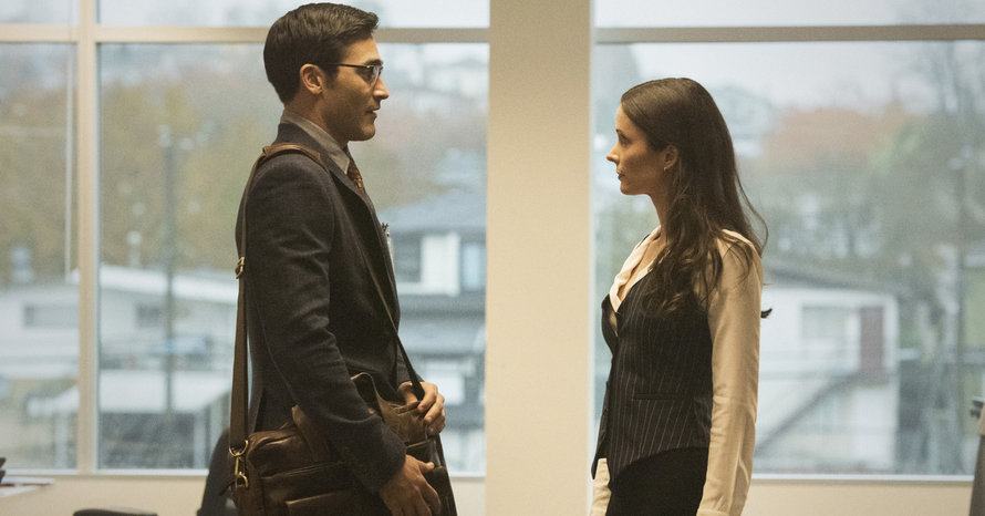 'Superman & Lois' Clip Sees Clark Meet Lois For The First Time