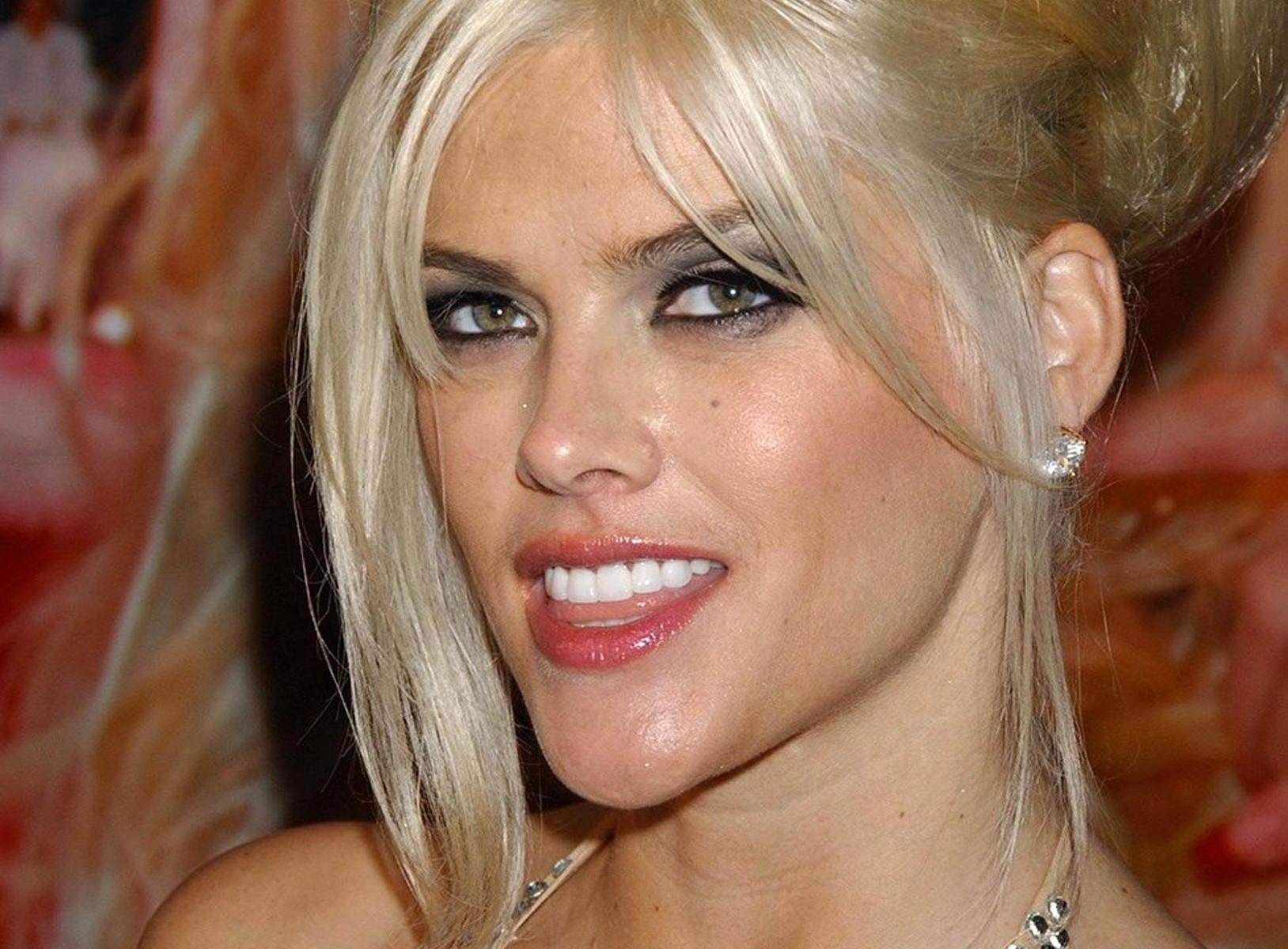Celebrity Overdose – What Did They Use? : Anna Nicole Smith