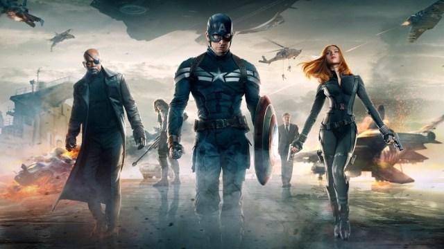 Capitão América 2: O Soldado Invernal poster com Roger, Fury e Viúva negra