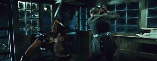 Mulher Maravilha Ludendorff luta com Ares
