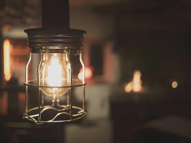 Un accessoire de style industriel, la lampe