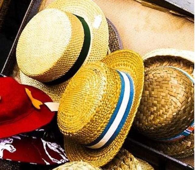 Les canotiers pour hommes jouent aux chapeaux d'été fantaisie en paille colorée