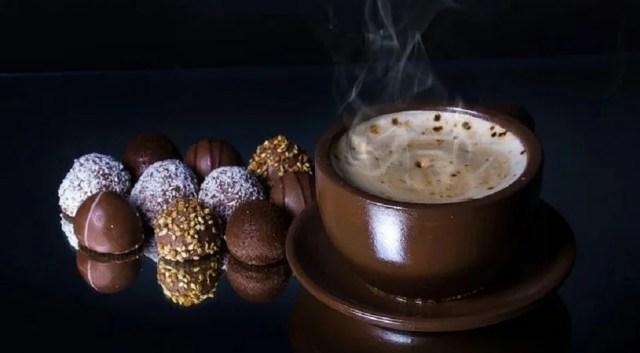 Association bonbons au chocolat et kawa, une histoire de gourmandise