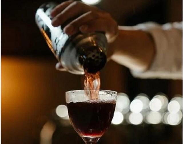 Shaker Cobbler pour des cocktails bien filtrés grâce à sa passoire intégrée