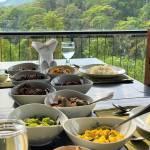 Herost Rainforest breakfast