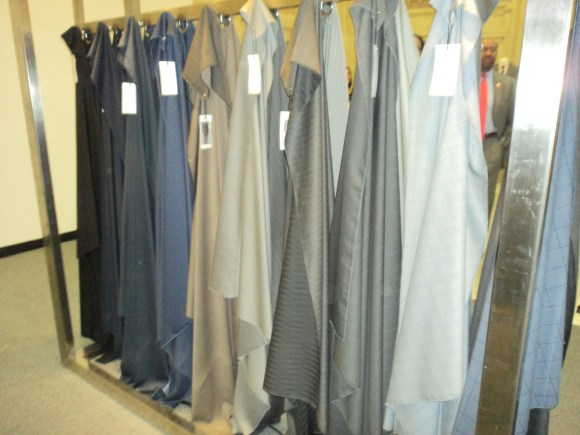 Swatches of fabric at the Indochino Traveling Tailor Philadelphia Shop / Her Philly
