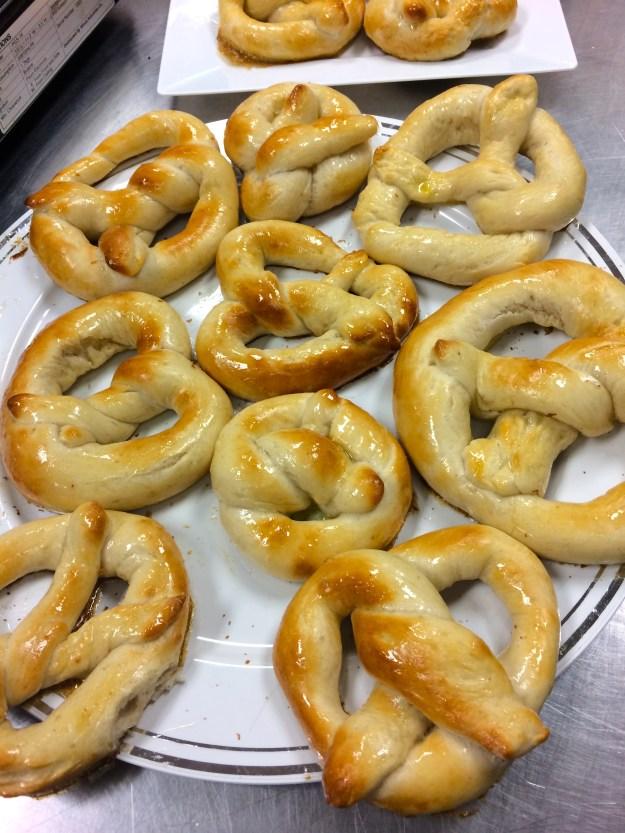 Homemade soft pretzels // Her Philly