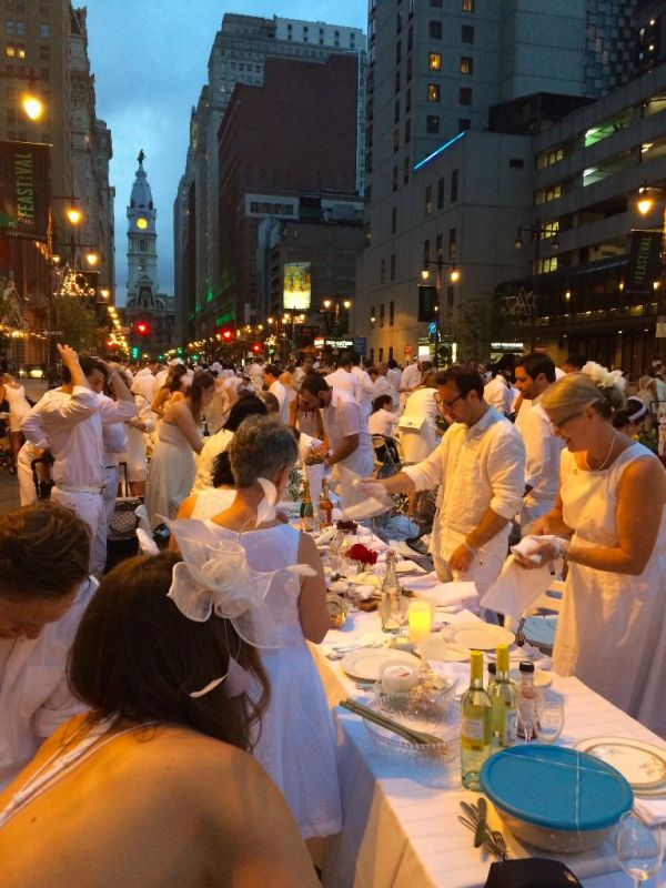 How to setup for Diner en Blanc // Her Philly