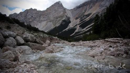 Wildes Wasser im Naturpark.