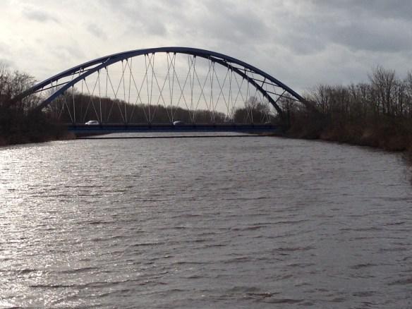 Die Lunebrücke zwischen Stotel und Wesertunnel