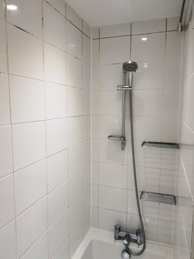 Bathroom Ceramic Wall Tiles Before Cleaning Watford