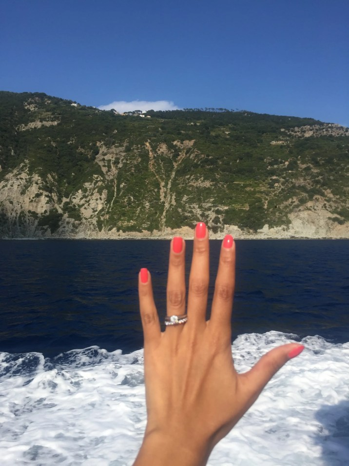 Being on your honeymoon gives you an excuse to take a ring selfie!
