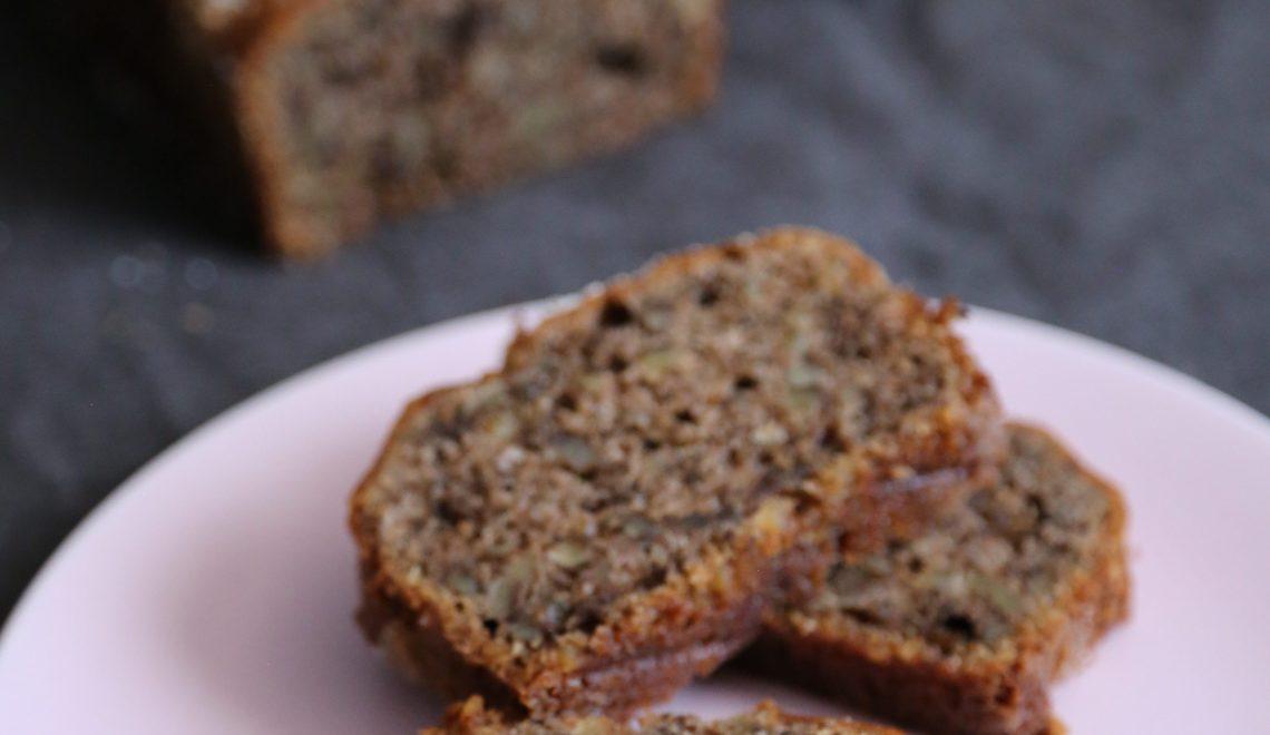 Bananen-Walnuss-Brot mit Meersalz