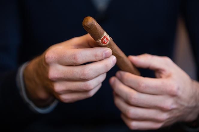 how to cut a cigar parejo shape corona
