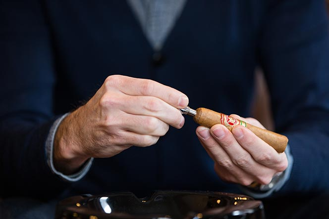 how to cut a cigar punch