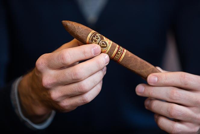 how to cut a cigar figurado shape oliva melanio