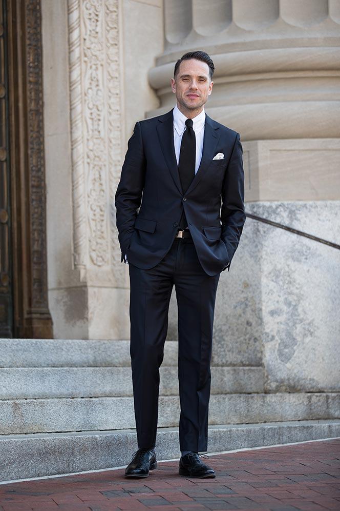 cocktail-attire-for-wedding-men-black-tie-navy-suit