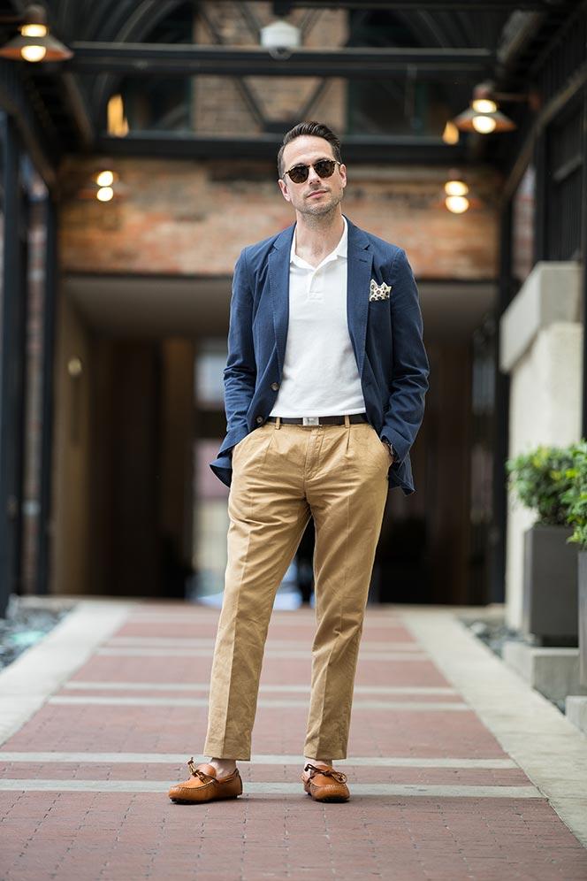 navy-cotton-linen-blazer-tan-chinos-polo-shirt-mens-spring-fashion-trends-4