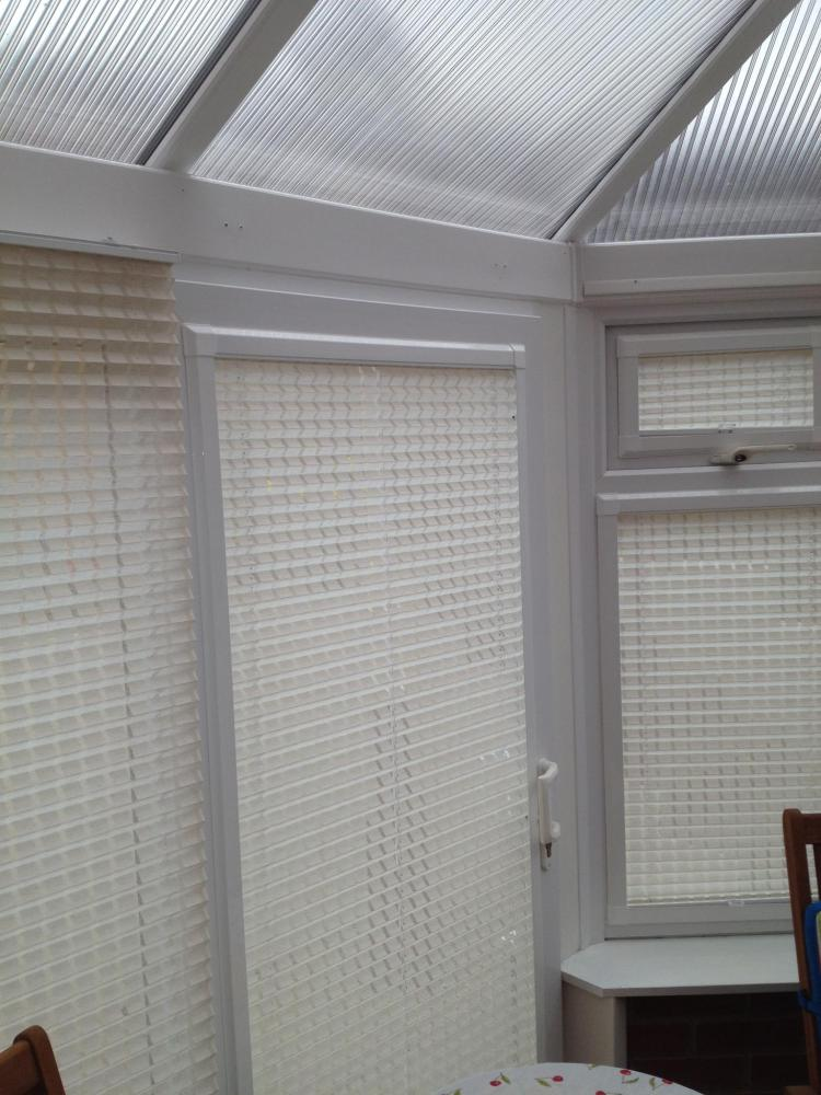 Perfect fit window pleated window blind