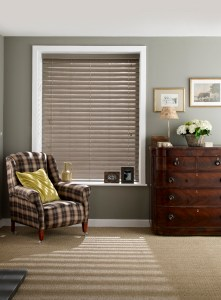 fitted taupe wood venetian