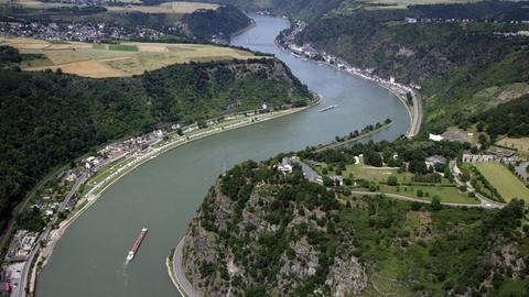 Loreleyfelsen bei St. Goar (Rheinland-Pfalz) inmitten des UNESCO-Weltkulturerbegebiets Mittelrheintal