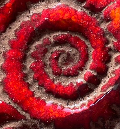 Rouge Ammonit Weinprobe ganz in rot für Frauen