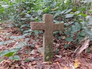 Bendigo Nature Reserve stone cross1
