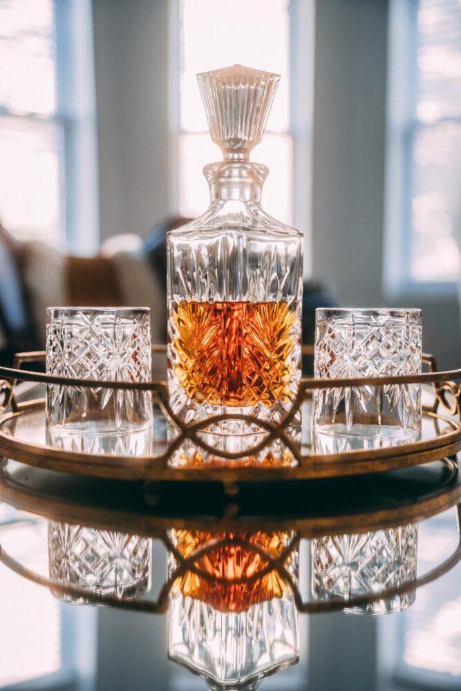 Het Gezinsleven - Lifestyle - Mannen - 8 verschillende soorten whisky - Karaf whisky
