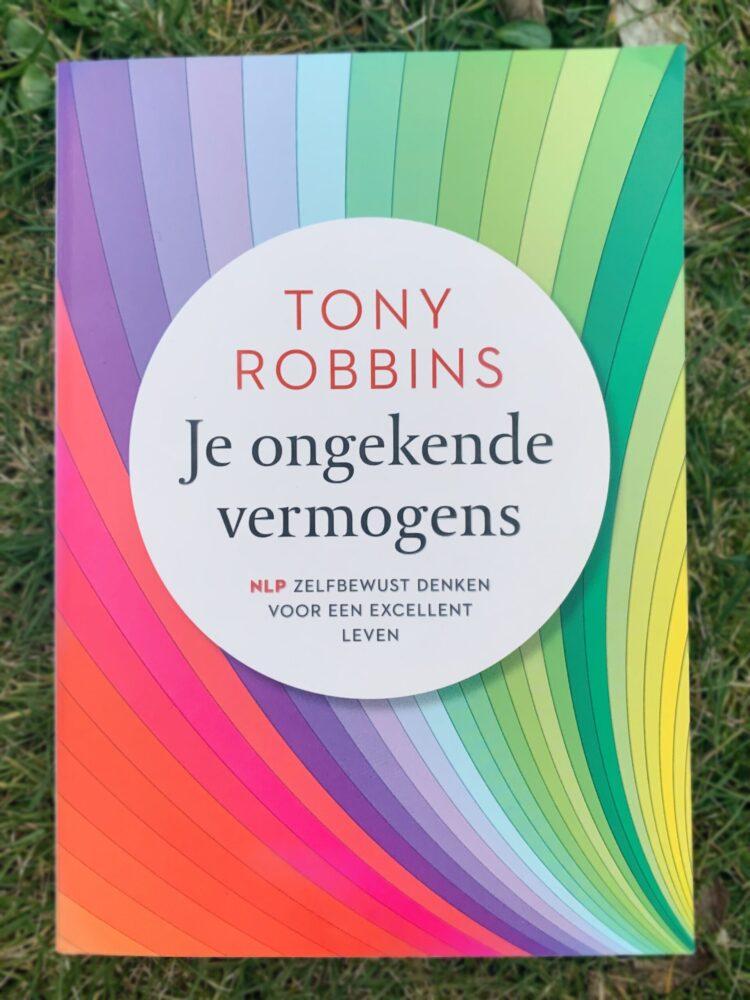 Het Gezinsleven - Lifestyle - Hobby's - Persoonlijke ontwikkeling, boeken top 5 - Voorkant boek Je ongekende vermogens (NLP)