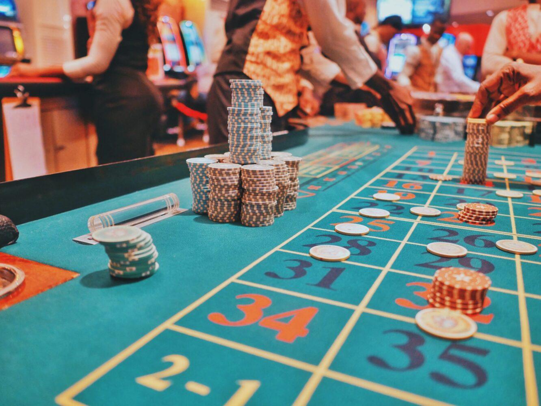 Het Gezinsleven - Lifestyle - Mannen - Hoe plan je het perfecte vriendenweekend? - Weekend gokken