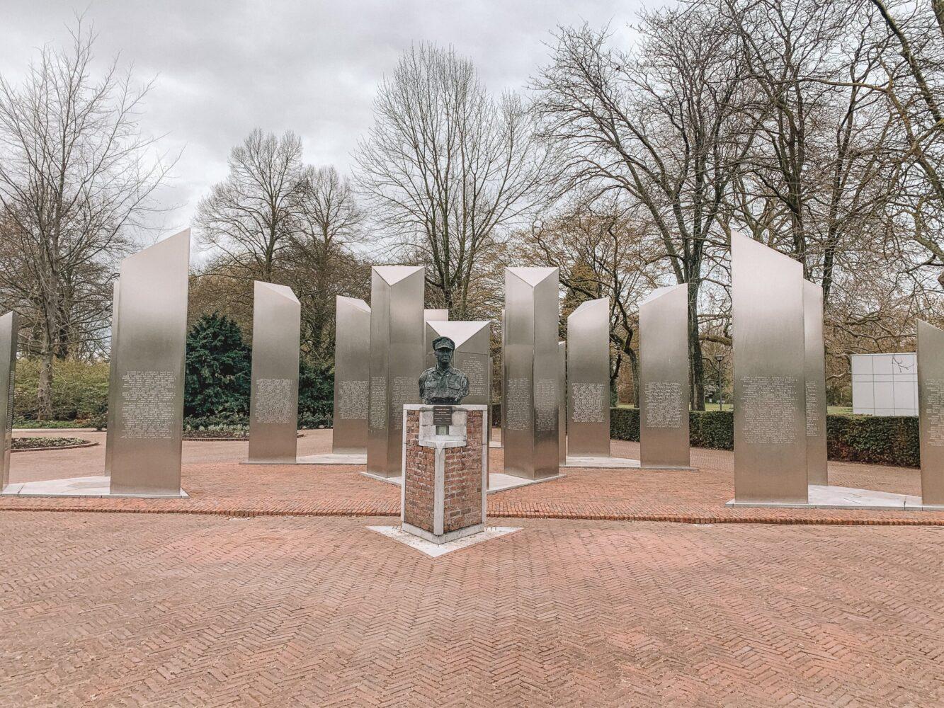 Het Gezinsleven - Uitstapjes - Bezienswaardigheden in Roermond - Nationaal Herdenkingspark: Nationaal Indie-Monument