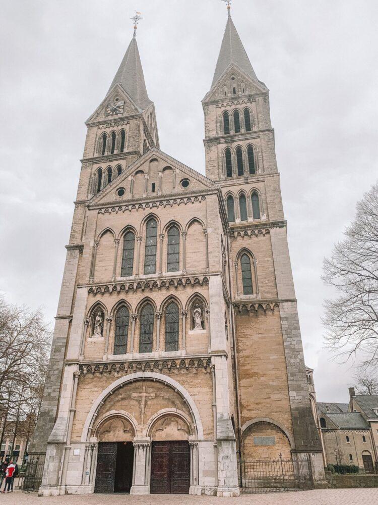 Het Gezinsleven - Uitstapjes - Bezienswaardigheden in Roermond - Munsterkerk aan het Munsterplein