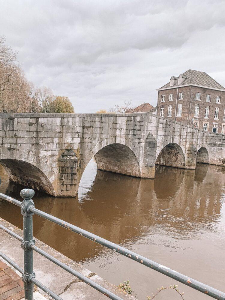 Het Gezinsleven - Uitstapjes - Bezienswaardigheden in Roermond - de Stenenbrug of te wel Maria Theresia Brug