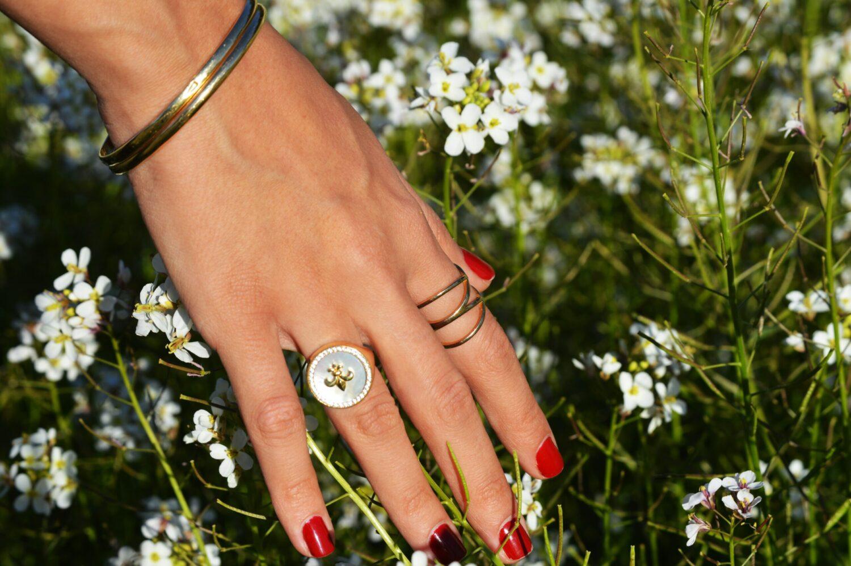 Het Gezinsleven - Lifestyle - Hobby's - Thuis je nagels verzorgen zoals in een salon! - Rode kleur nagellak